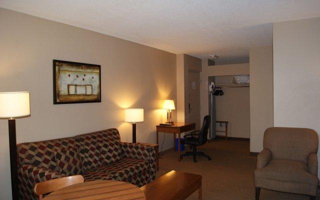Quality Inn & Suites P.E. Trudeau Airport