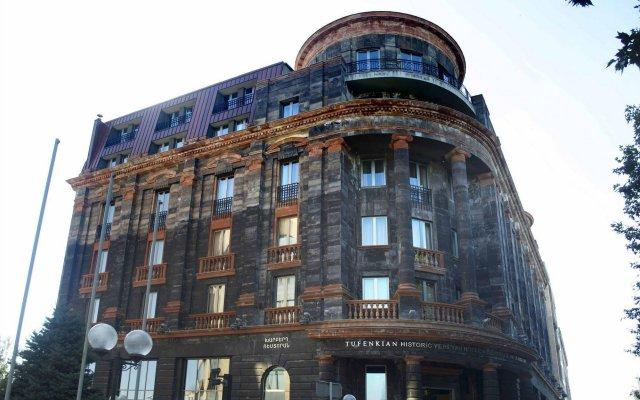 Отель Tufenkian Historic Yerevan вид на фасад