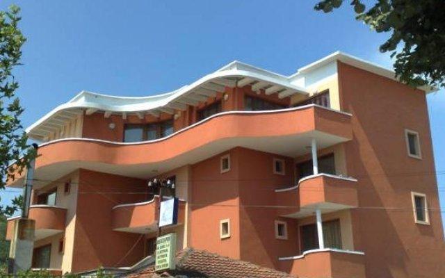 Отель Marianas Guesthouse Болгария, Аврен - отзывы, цены и фото номеров - забронировать отель Marianas Guesthouse онлайн вид на фасад