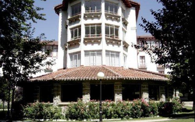 Отель Hostal Ayestaran I Испания, Ульцама - отзывы, цены и фото номеров - забронировать отель Hostal Ayestaran I онлайн вид на фасад