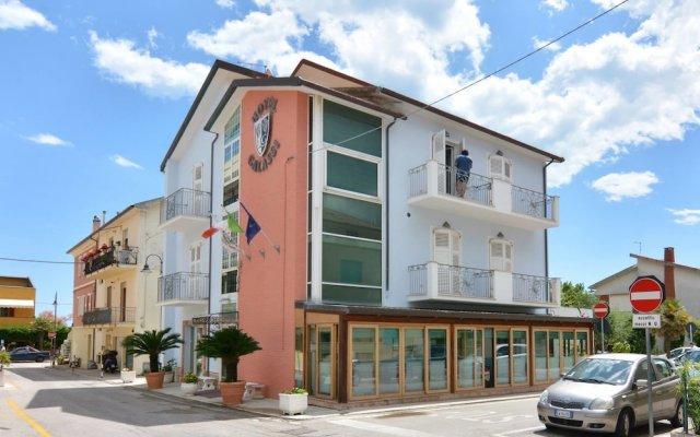 Hotel Galassi Нумана вид на фасад