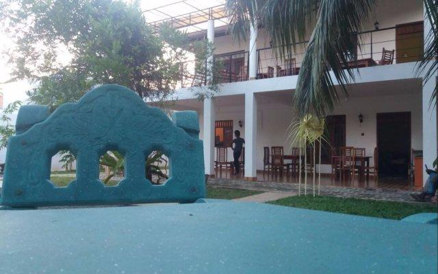 Отель Freedom Lodge Thissamaharama вид на фасад