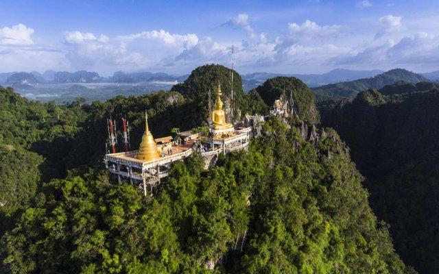Baan Suan Rimnam Resort