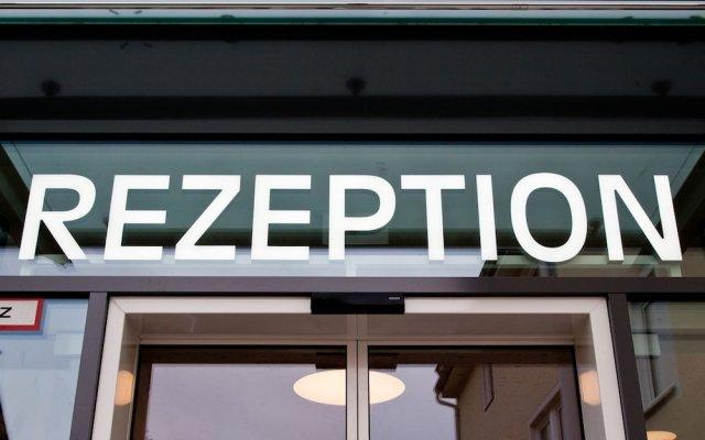 Отель Zur Post Германия, Исманинг - отзывы, цены и фото номеров - забронировать отель Zur Post онлайн вид на фасад