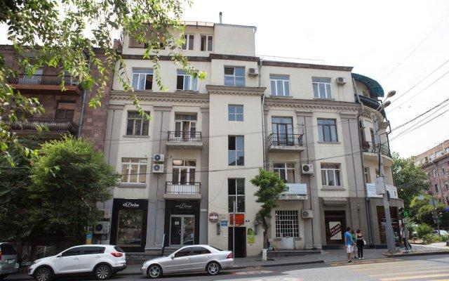 Отель One Way Hostel & Tours Армения, Ереван - отзывы, цены и фото номеров - забронировать отель One Way Hostel & Tours онлайн вид на фасад