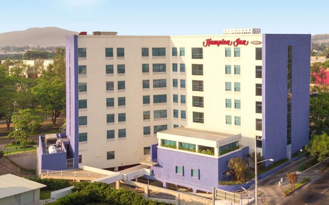 Отель Hampton Inn by Hilton Guadalajara/Expo Jalisco Mexico вид на фасад