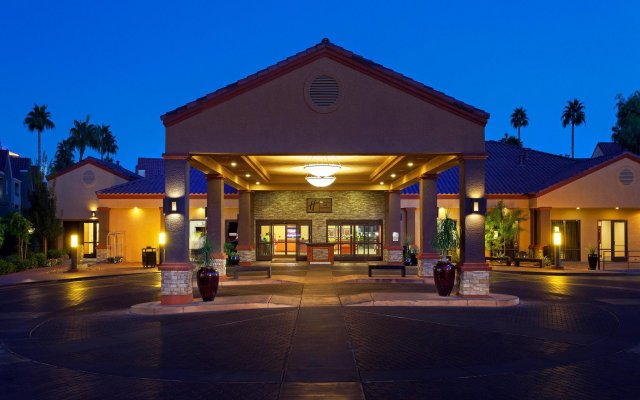 Отель Holiday Inn Club Vacations: Las Vegas at Desert Club Resort вид на фасад