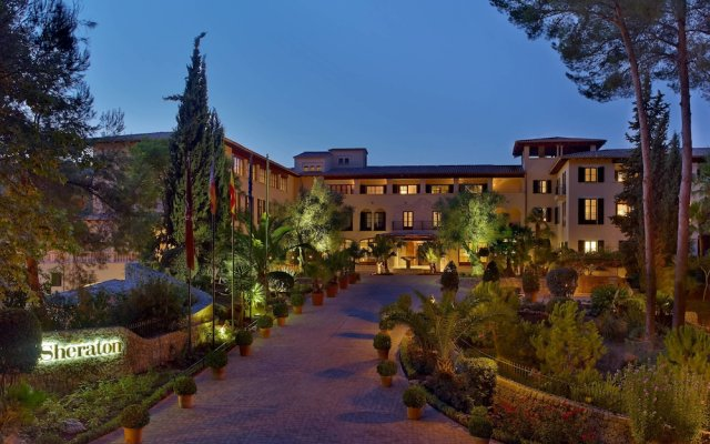 Sheraton Mallorca Arabella Golf Hotel вид на фасад