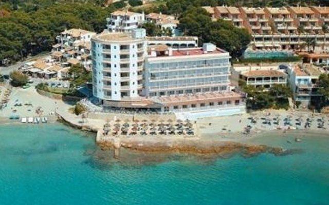 Universal Hotel Aquamarin вид на фасад