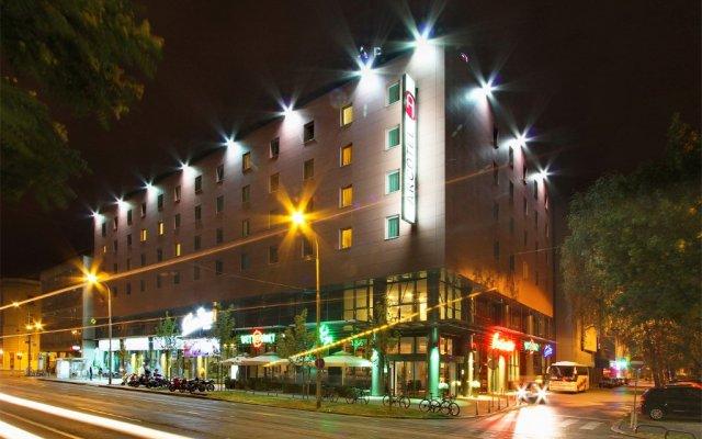 Отель Canopy by Hilton Zagreb - City Centre вид на фасад