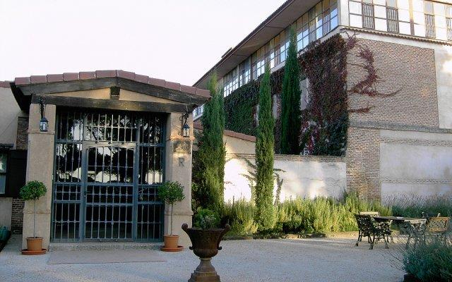 Отель Posada Real Del Pinar Посаль-де-Гальинас вид на фасад