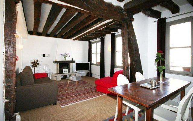 Апартаменты My Apartment in Paris Louvre Париж комната для гостей