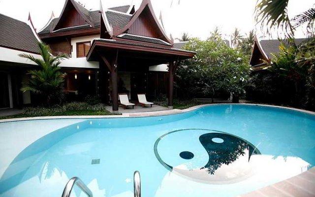 Отель Himmaphan Villa бассейн