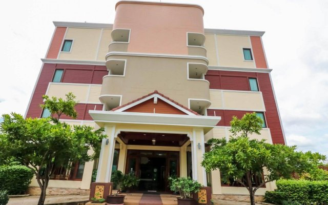 Отель NIDA Rooms Talat Yai Old Town Phuket вид на фасад