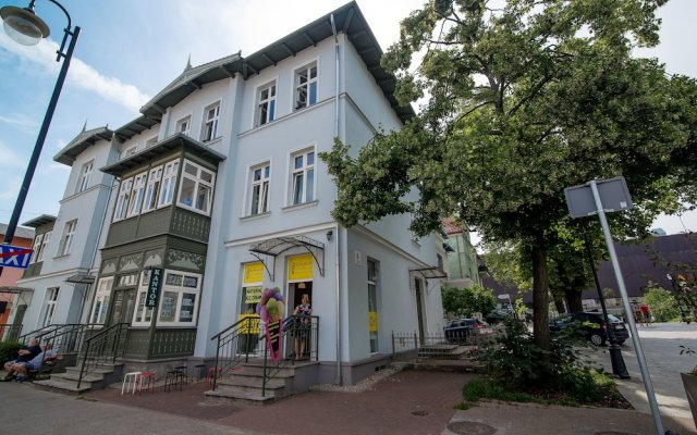 Отель Sopot Sleeps - Modern Sopot вид на фасад