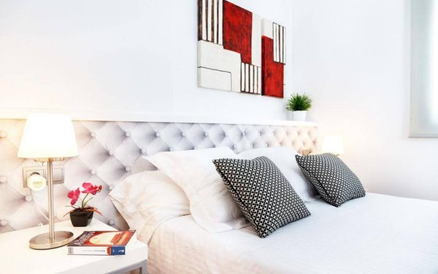 Апартаменты Feelathome Marquet Beach Apartments комната для гостей