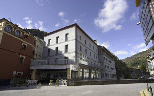 Отель Sant Antoni Рибес-де-Фресер вид на фасад