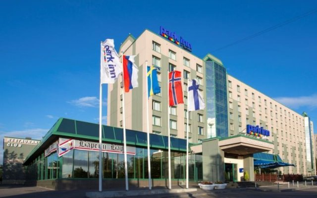 Гостиница Park Inn by Radisson Poliarnie Zori, Murmansk вид на фасад