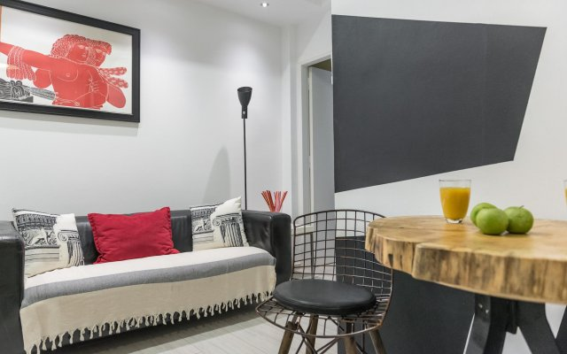 Апартаменты Acropolis Cozy Studio by Livin Urbban комната для гостей