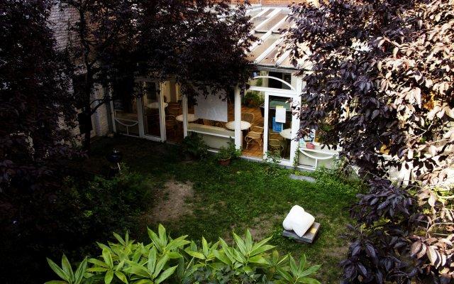 Отель Hostel Van Gogh Brussels Бельгия, Брюссель - 1 отзыв об отеле, цены и фото номеров - забронировать отель Hostel Van Gogh Brussels онлайн вид на фасад
