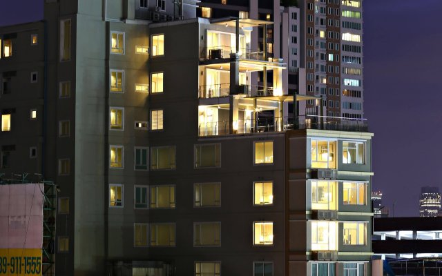 Отель V Residence Bangkok Таиланд, Бангкок - отзывы, цены и фото номеров - забронировать отель V Residence Bangkok онлайн вид на фасад