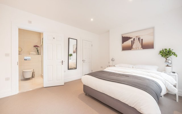Отель Stay At Mine - Greek Street Лондон комната для гостей