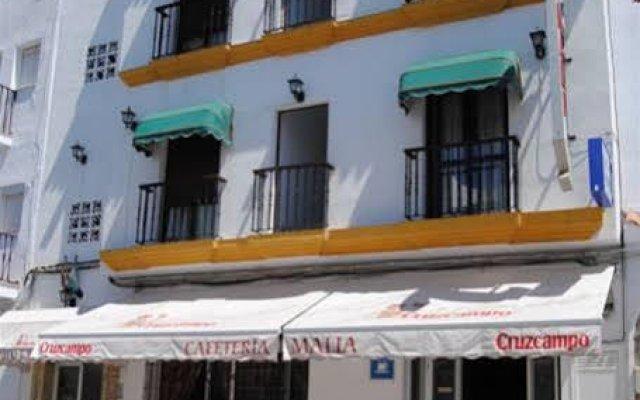 Отель Hostal Malia Испания, Кониль-де-ла-Фронтера - отзывы, цены и фото номеров - забронировать отель Hostal Malia онлайн вид на фасад
