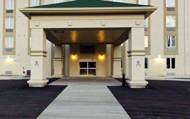 Отель Quality Inn Orleans Канада, Оттава - отзывы, цены и фото номеров - забронировать отель Quality Inn Orleans онлайн вид на фасад