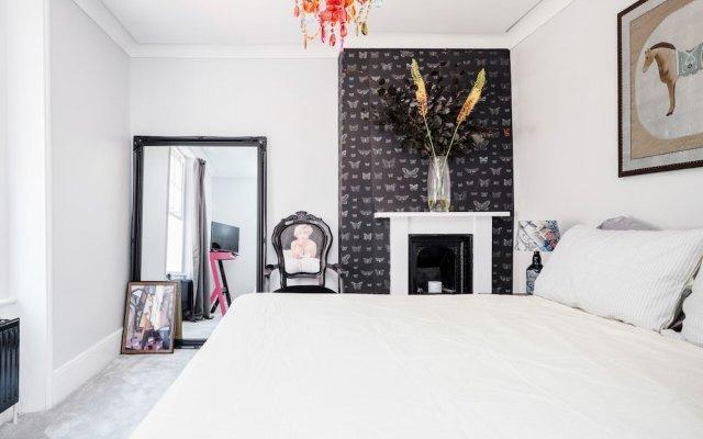 Отель Stylish 1 Bedroom Flats Covent Garden комната для гостей