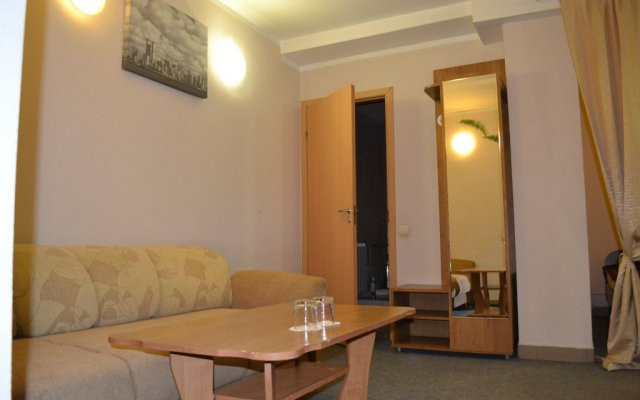 Гостиница Нежинский комната для гостей