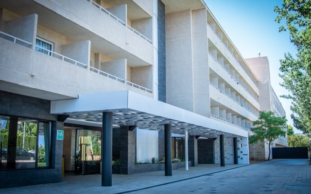 Отель Club Cala Romani вид на фасад