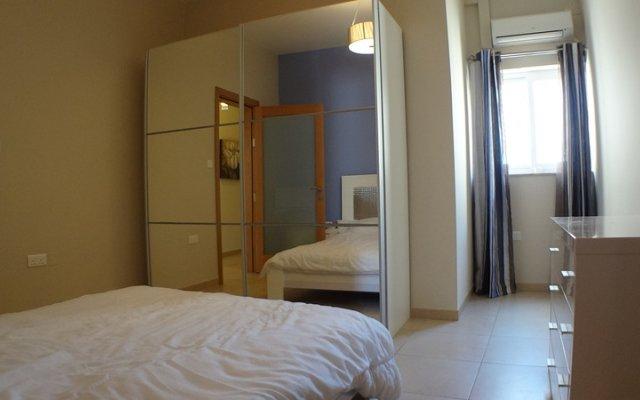 Отель Eri Apartments E378 Мальта, Слима - отзывы, цены и фото номеров - забронировать отель Eri Apartments E378 онлайн комната для гостей