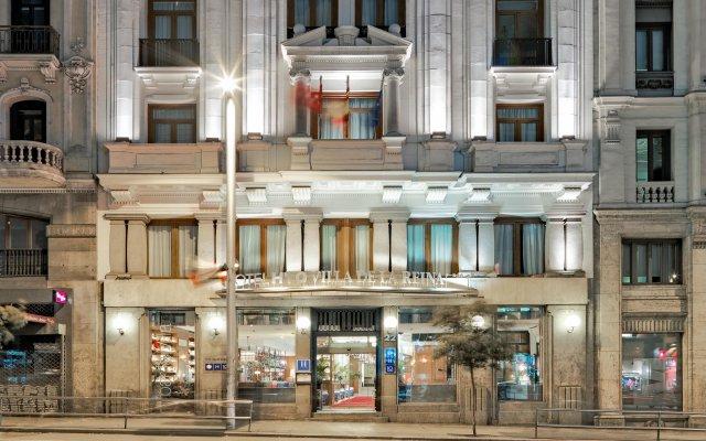 Отель H10 Villa de la Reina Boutique Hotel Испания, Мадрид - отзывы, цены и фото номеров - забронировать отель H10 Villa de la Reina Boutique Hotel онлайн вид на фасад