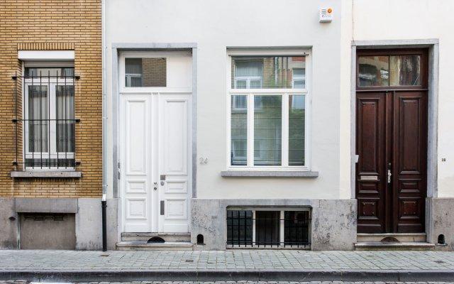 Отель X2Brussels Bed and Breakfast Бельгия, Брюссель - отзывы, цены и фото номеров - забронировать отель X2Brussels Bed and Breakfast онлайн вид на фасад