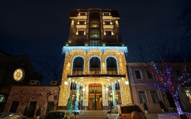 Гостиница Бутик Отель Калифорния Украина, Одесса - 8 отзывов об отеле, цены и фото номеров - забронировать гостиницу Бутик Отель Калифорния онлайн вид на фасад