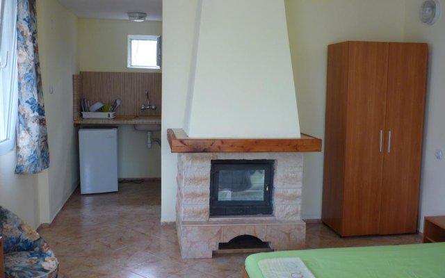 Отель Nimpha Bungalows Варна комната для гостей