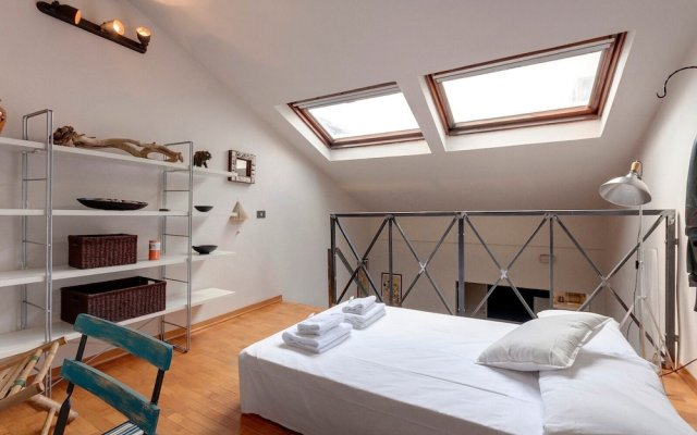 Апартаменты Orto Luminous Apartment With 2 Bedrooms Флоренция комната для гостей