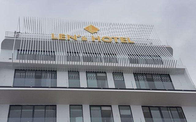 Len's Hotel Далат вид на фасад