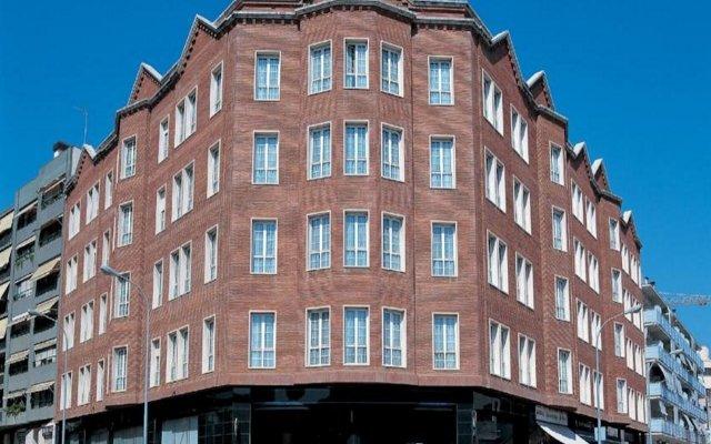 Отель URH Ciutat de Mataró вид на фасад