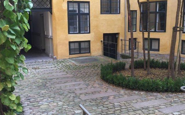 Отель Luxury Apartment in Copenhagen 1184-1 Дания, Копенгаген - отзывы, цены и фото номеров - забронировать отель Luxury Apartment in Copenhagen 1184-1 онлайн вид на фасад