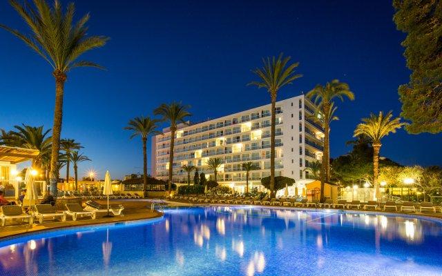 Sirenis Hotel Goleta - Tres Carabelas & Spa вид на фасад