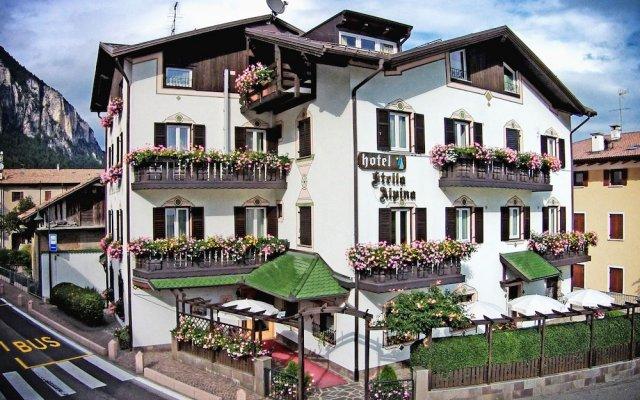 Hotel Stella Alpina Фай-делла-Паганелла вид на фасад