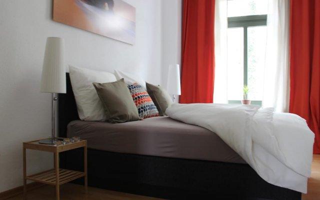 Апартаменты Leon Suite Apartments вид на фасад