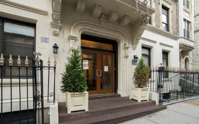 Отель Morningside Inn Нью-Йорк вид на фасад