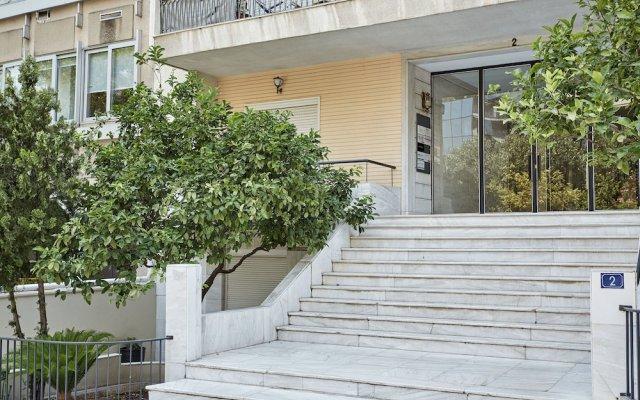 Отель Chic One Bd Apartment with Hilton View Греция, Афины - отзывы, цены и фото номеров - забронировать отель Chic One Bd Apartment with Hilton View онлайн вид на фасад
