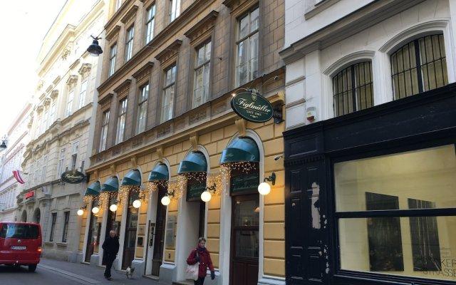 Отель Heart of Vienna Apartments Австрия, Вена - отзывы, цены и фото номеров - забронировать отель Heart of Vienna Apartments онлайн вид на фасад