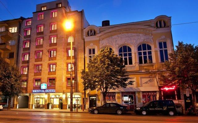 Отель Best Western Plus Bristol Hotel Болгария, София - 4 отзыва об отеле, цены и фото номеров - забронировать отель Best Western Plus Bristol Hotel онлайн вид на фасад