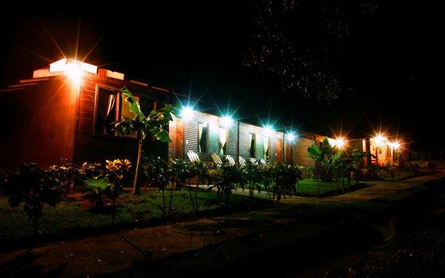 Отель Cañon de la Vieja Lodge Коста-Рика, Sardinal - отзывы, цены и фото номеров - забронировать отель Cañon de la Vieja Lodge онлайн вид на фасад