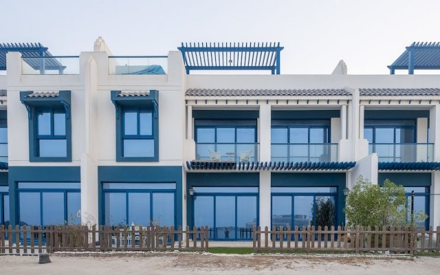 Отель Bravoway Home - Palma Residence Villa вид на фасад