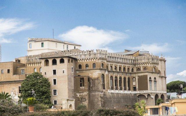 Отель Royal Vatican Рим вид на фасад
